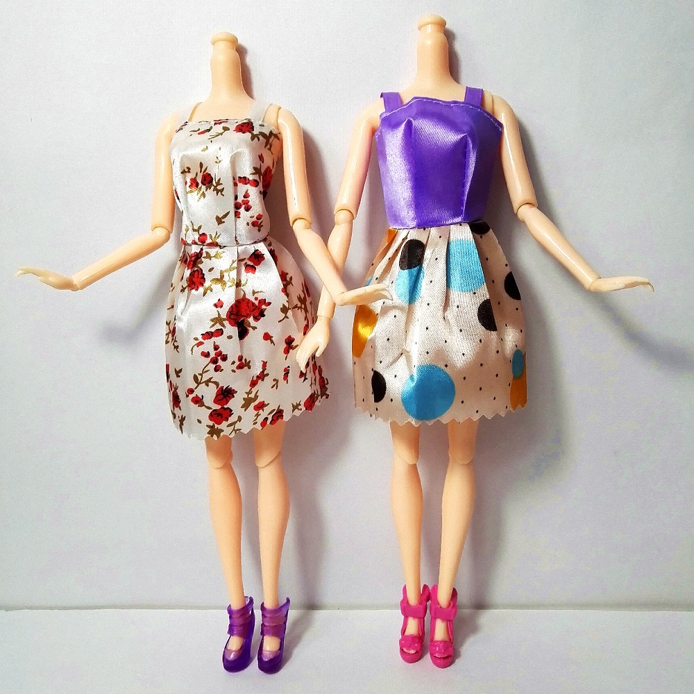 20 Pcs = Handmade Social gathering 12 units Garments Style Blended model Costume + eight pcs Baggage Equipment for Barbie Doll Finest Present Lady Toys