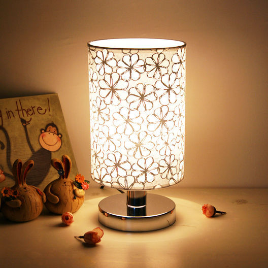 Modern Pastoral style Small Table lamp Desk lamp Bedroom bedside lamp Lighting(China (Mainland))