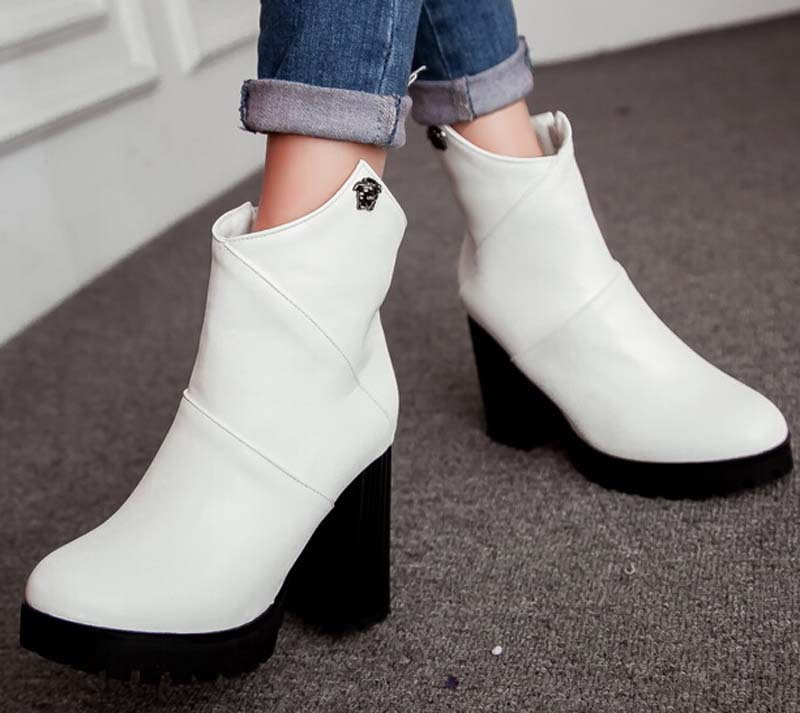 venda de botas de madeira para mulheres