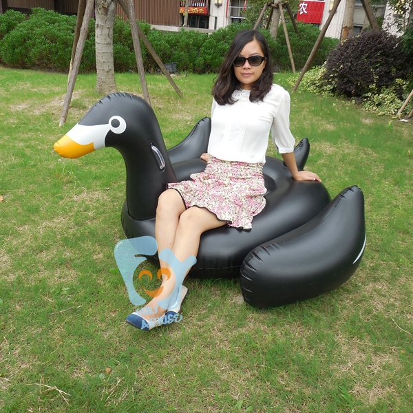 60 inch 1.5m Elegant Giant Inflatable Black Swan For Pool Inflatable Ride-On Water  Float Swan Inflatable Swim Ring(China (Mainland))
