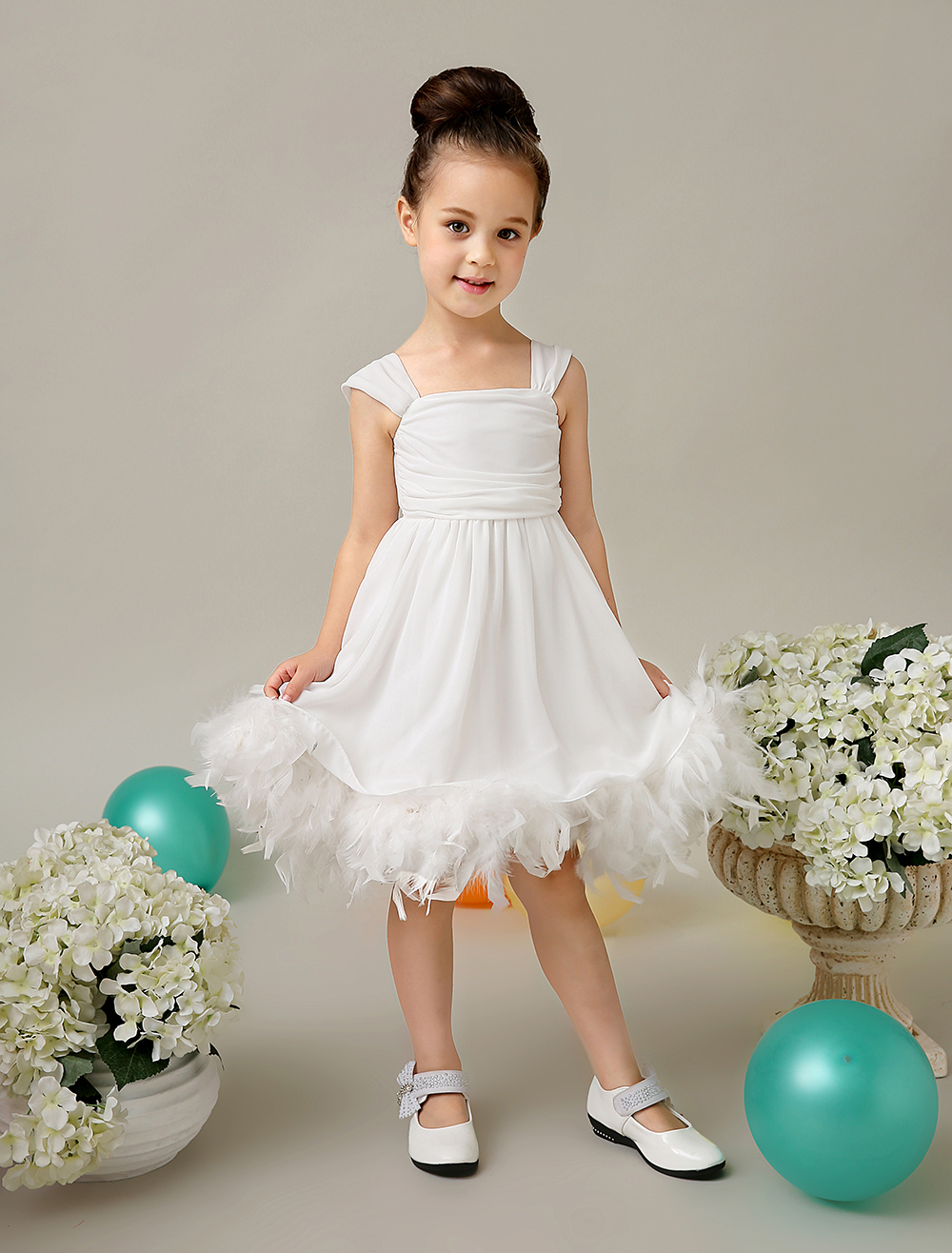 Little girl flower girls dresses junoir bridesmaid dresses for Little flower girl wedding dresses