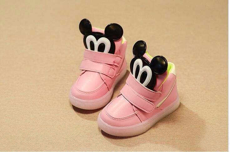 Free shipping New Autumn Boys girls mickey Fashion Children Shoes With Chaussure Led Kids light Shoes Chaussure Enfant Sandals