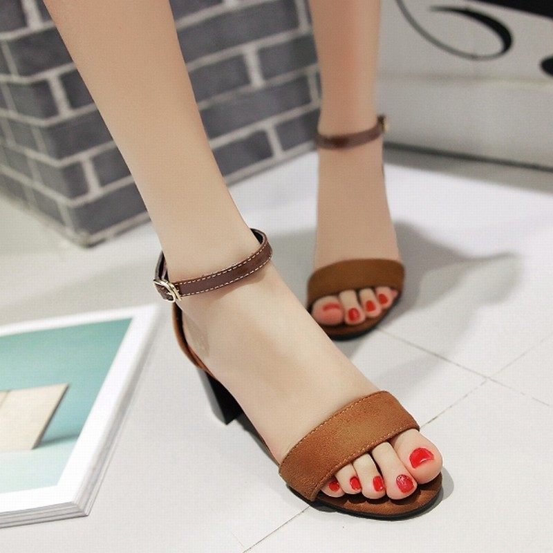 2016 Hot Sell Shoes For Women Sexy Casual Buckle Strap Summer Shoes Big Size 34-43 Fashion Thick Med Heels Platform Sandals