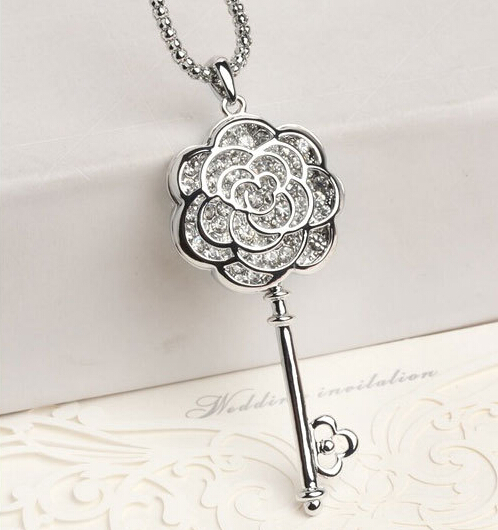 Fashion Crystal Rose Key Pendant Necklace for Girls, Beautiful Rose Charm Necklace, Awesome Long Chain Necklaces Lovers Jewelry(China (Mainland))