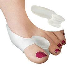 1pairs/lot 2014 Hot Soft Beetle-crusher Bone Ectropion Toes outer Appliance Silica Gel Toes Separation Health Care Products