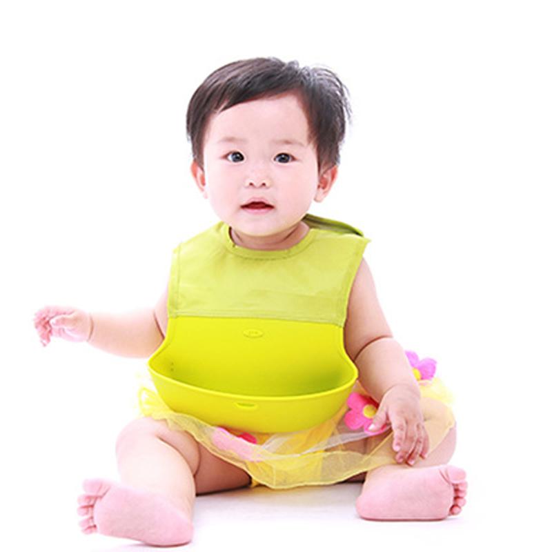 Детские нагрудники и слюнявчики из Китая