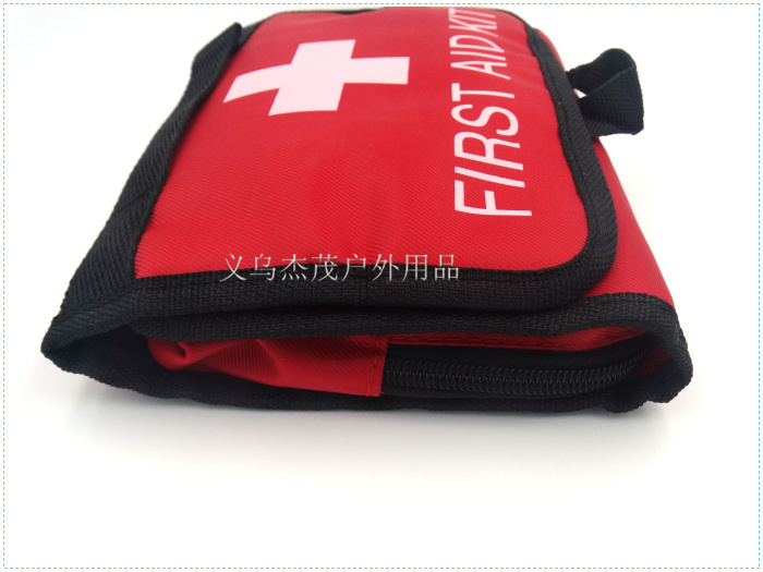 Factory direct Red First Aid Kit Emergency Surviva First Aid Kit Bag Medical Bag When Camping In Outdoor size 21.5*16*3.5CM(China (Mainland))