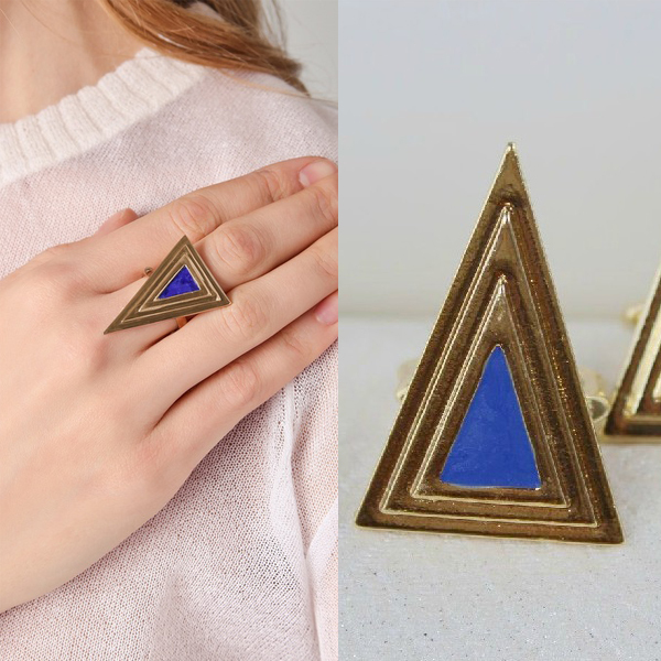 Min.order is $12 (mix order)Free shipping! Exaggerated triangle geometry ring fashion jewerly color in blue W313(China (Mainland))