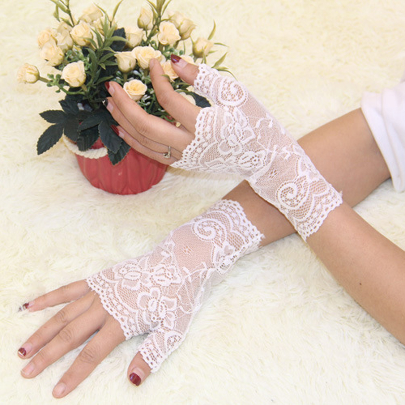 2016 Spring/summer women's vintage sunscreen semi-finger gloves lady's anti-uv lace female driving gloves black/white(China (Mainland))