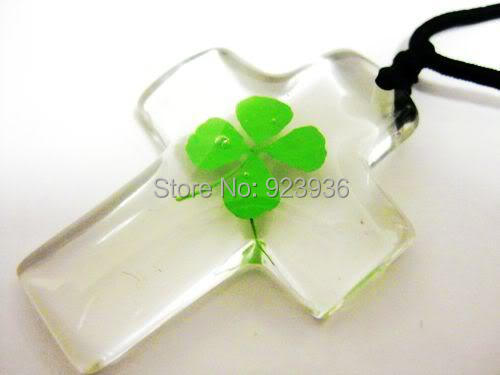 FREE SHIPPING Holiday sales 12 PCS Real lucky four leaf clover cross pendant with cord. Brand new.(China (Mainland))