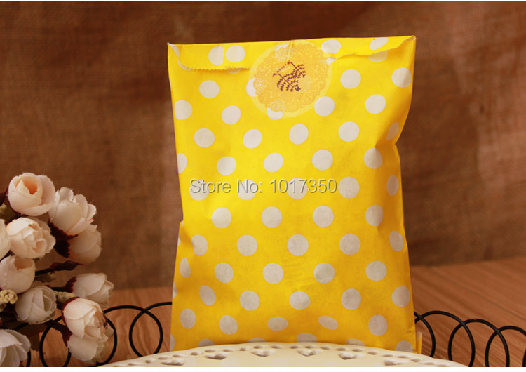 yellow with white polka dots Craft Paper Popcorn Bags Food Safe sandwich bags Wedding Party Favor Paper bags candy Gift Bag50pcs(China (Mainland))