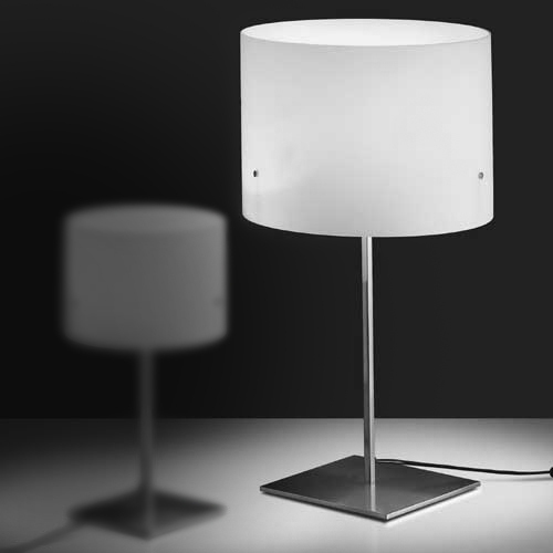 Modern Fashion Table Lamp Iron Desk Lamp White Light Yellow Table Lamp Modern Simple Style Drawing Room Bedroom Study Desk Light(China (Mainland))