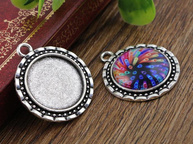 4pcs 20mm Inner Size Antique Silver Classic Style Cabochon Base Setting Charms Pendant (D2-19)(China (Mainland))