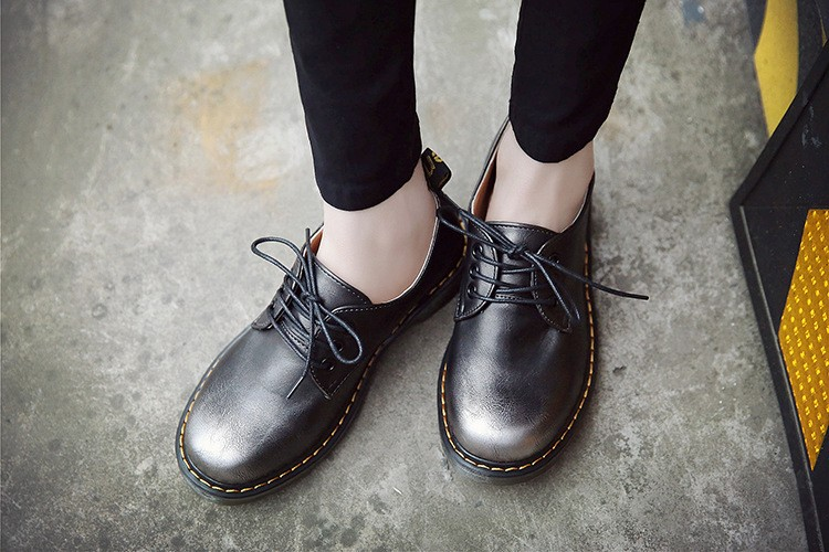 New Women Flats Metallic Luster Grils Oxford Classic Leather Shoes Female Motorcycle Boots Casual Flat Shoes Women Zapatos Mujer
