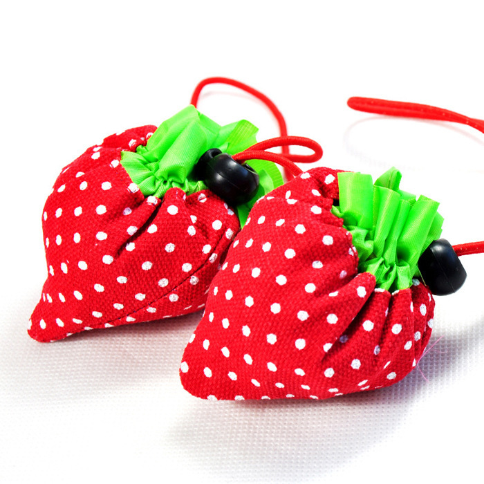 Portabl Foldable Eco-friendly Oxford Strawberry Shopping Hand Bags Reusable Multi-function Supermarket Cute Bags H17(China (Mainland))