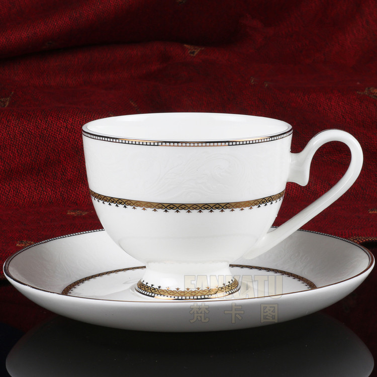Free shipping, Embossed paper 8022 coffee cup fashion bone china set d'Angleterre flower tea red cup(China (Mainland))