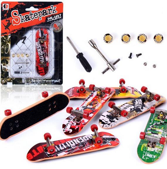2015 Super Cool! fingerboard Alloy finger skateboard toys mini sets professional tools graffiti fashion mini finger skateboard(China (Mainland))