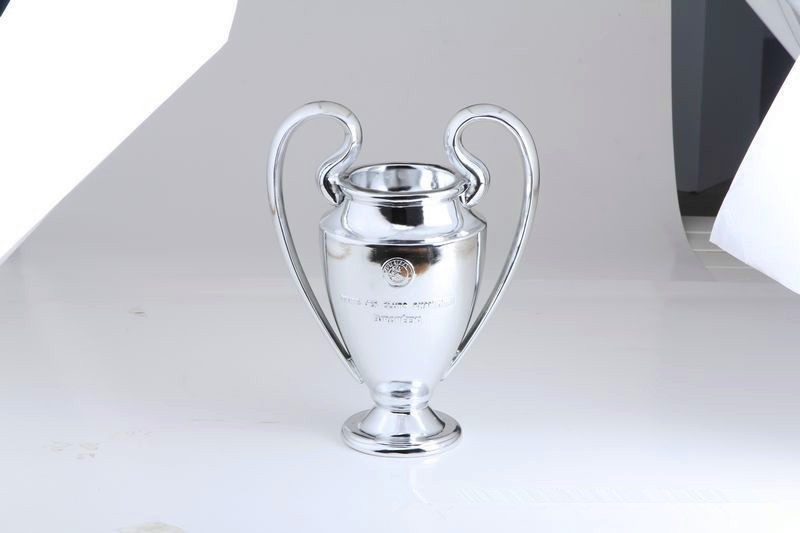 "Free shipping!UEFA 16cm tall The champions league Trophy,Soccer Souvenir St ""ryder trophy REPLICA best fans gift,football gift!(China (Mainland))"