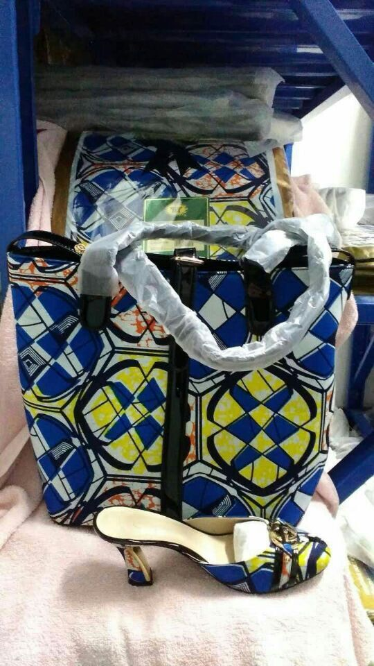 Free shipping 2015 Popular design African Fashion Wax cloth Shoes And Matching Bags Set A Three-Piece Wax Cloth Bag Sa_Wa19(China (Mainland))