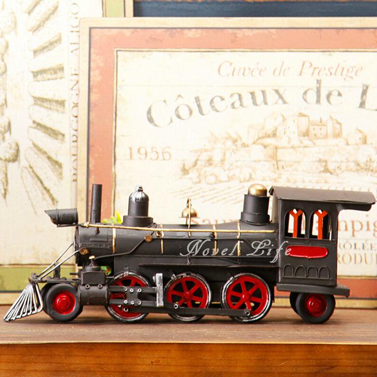 Antique Handmade Metal Tin Craft Steam Train Locomotive Model Steam Engines Simulation Model Home Office Deocration Gifts(China (Mainland))