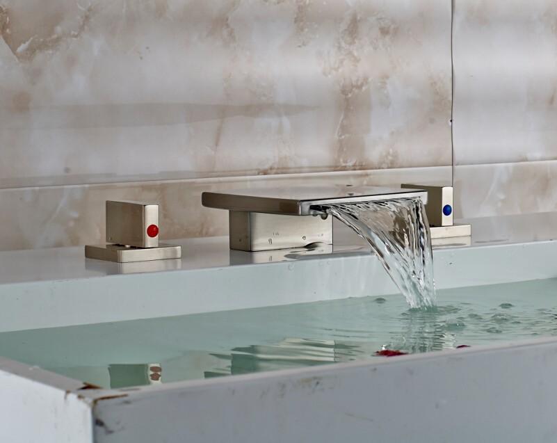 Купить Уникальный Дизайн Широкое 3 Отверстия Бассейна Кран На Бортике Двойной Ручки Водопад Ванной Комнаты Смесителя