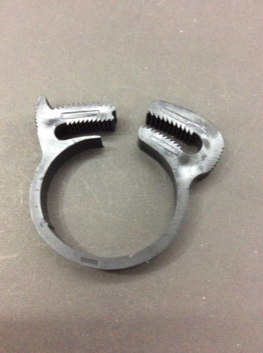 Manufacture plastic pipe clamps clips for 12.2-12.8mm tube outer diameter(China (Mainland))
