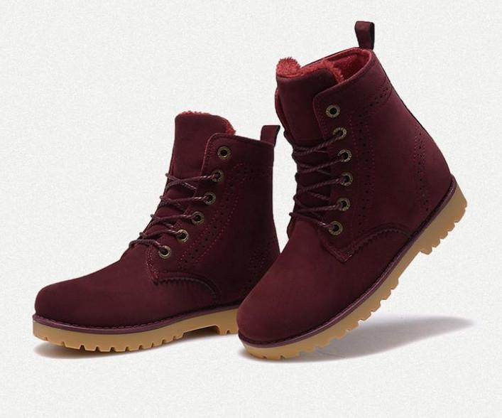 Las botas de mujer son un tipo de calzado indispensable en el look de una mujer. Compra online aquí en Dafiti, con envío a todas las ciudades del país.