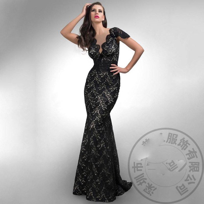 2015 New Long Fishtail Train Formal Party Black Lace Dress Elegant Mermaid Deep V neck Backless Halter Train Maxi Lace Dress wxf(China (Mainland))
