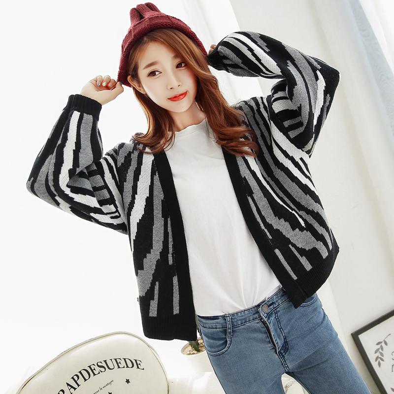 2016 New Fashion Casual Cardigan European Fashion Zebra Sweater Cardigan Girls Long Loose Bat Sleeve Stripe Knit Cardigan D0902(China (Mainland))