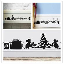Dekorativní samolepka na zeď – roztomilé vánoční myšky se stromečkem