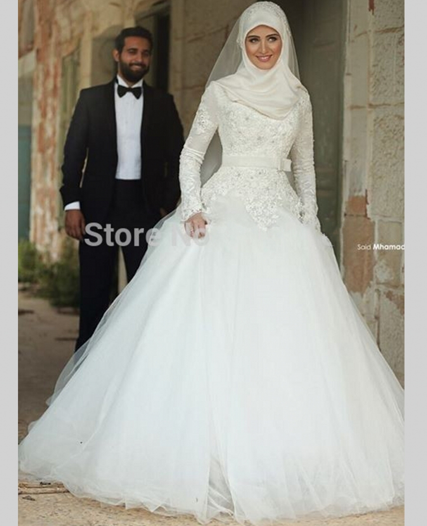 High Neck Long Sleeve Muslim Wedding Dress Arabic Hijab Wedding Gown Tulle Arab Ball Gown Wedding