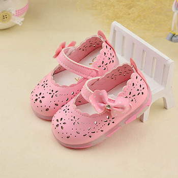 Baby Girls First Walkers With Light 2017 New Hollow Out Infant Girls Shoes Breathable Summer Toddlers Glowing Shoes