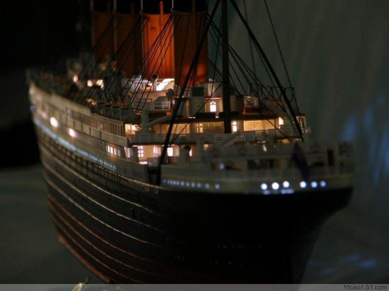 1:360 Titanic kit passenger liner ship model with light(China (Mainland))