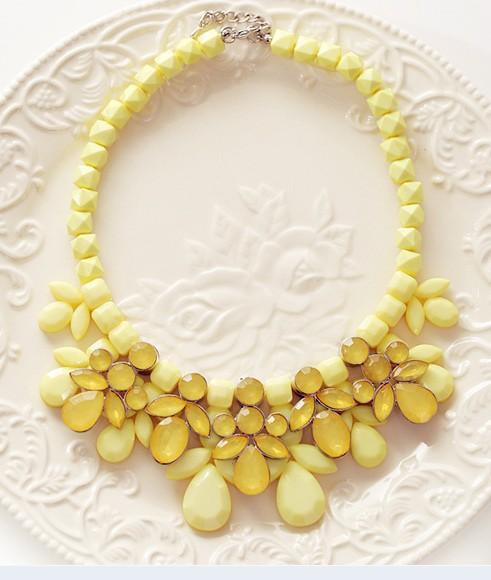 Novelty 5 Colors Sweet National Style Resin Beads Strand Stone Flower Pendant Women Necklace Star Product Jewelry Kolye DYN009(China (Mainland))