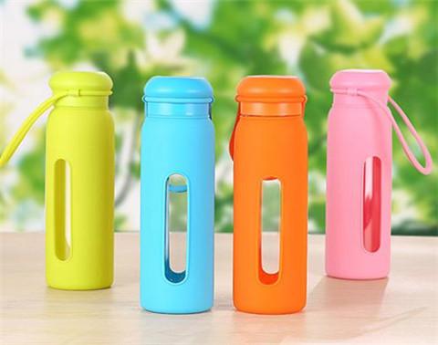 New Water Glass Colorful Solid Silicone Glass Bottles To Water Anti-slip Glass Water Bottle Arrafa Garrafa de agua Botella(China (Mainland))