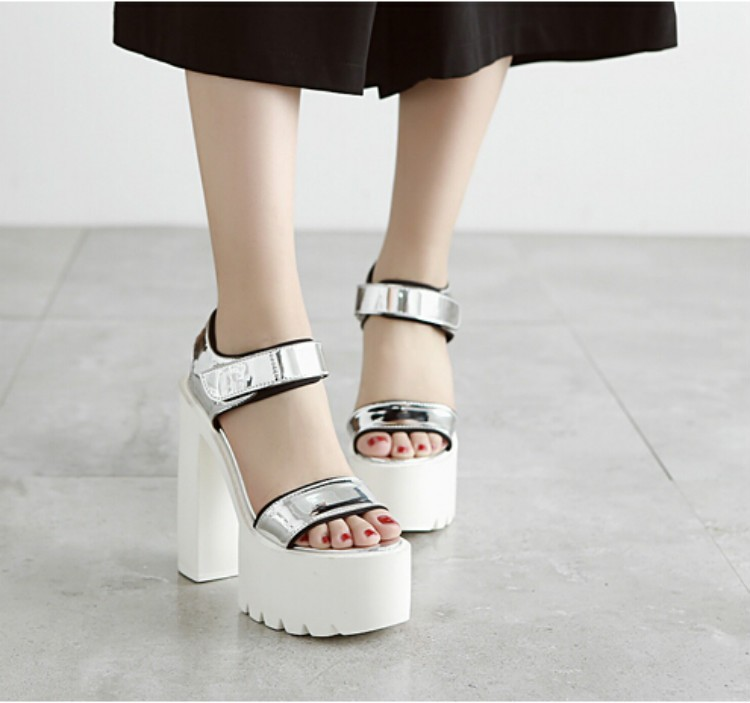 2016 Korean version of the new waterproof fish mouth sandals female summer sexy black thick with high-heeled shoes wild
