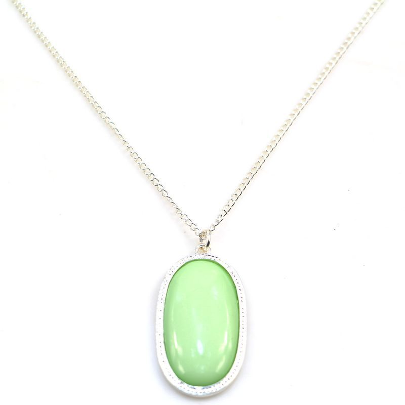 2015 New Fashion Green Oval Gem Pendant Necklace For Women Simple Chain Geometry Statement Necklace Fine Jewelry 8297(China (Mainland))
