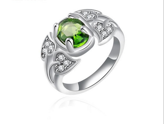 2016 Star Temperament Western Style Imitation Green Gemstone Ring Shiny Crystal Zircon Rings Wedding & Event Jewelry For Girls(China (Mainland))