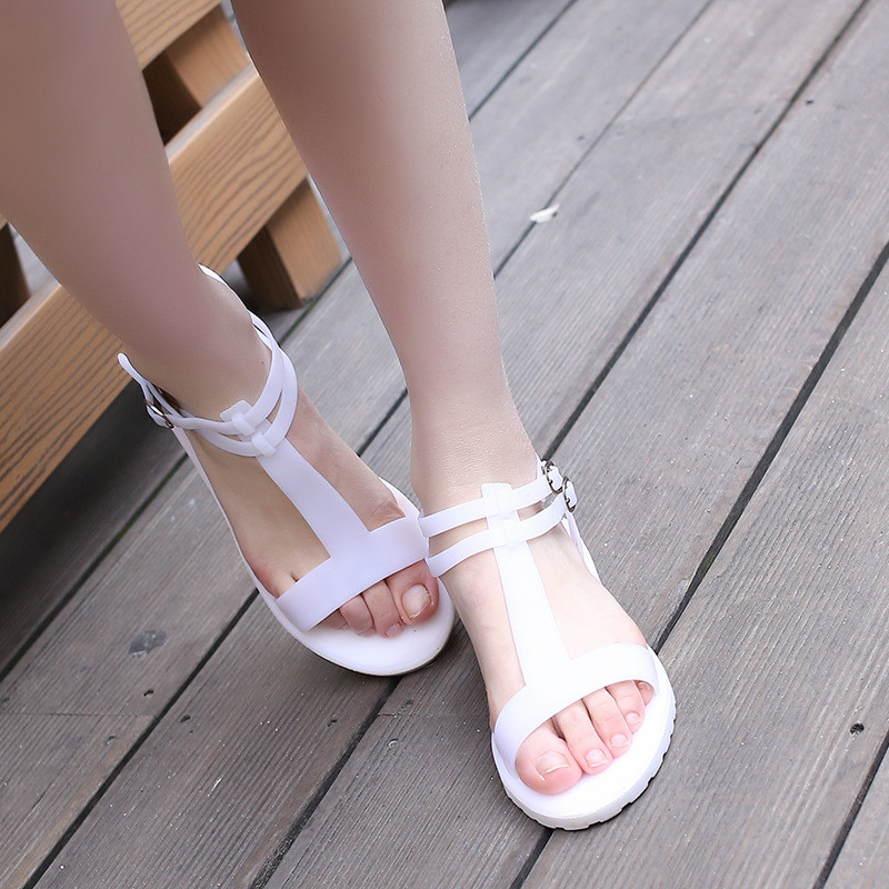 2016 Women shoes Flat bottomed beach sandals T type jelly shoes sandals flat bottomed breathable Rome crystal shoes(China (Mainland))