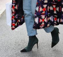 Yüksek topuklu gladyatör kısa çizmeler parti patchwork sivri burun yarım çizmeler kadınlar için 2018 yeni streç çorap ayakkabı botas mujer(China)