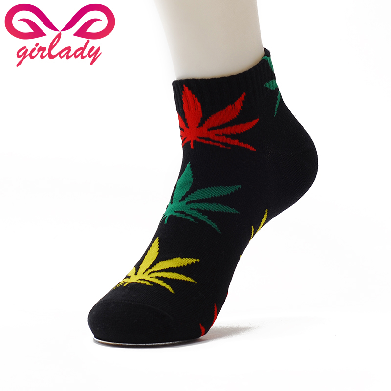 Available in USA men's size 8 ONLY (women's size 9 - 13). 55% Mercerized Cotton, 44% Nylon, 1% Lyrca Spandex The perfect length for Bermuda Socks, these come in just below the knee and fit snuggly around the leg for maximum comfort.