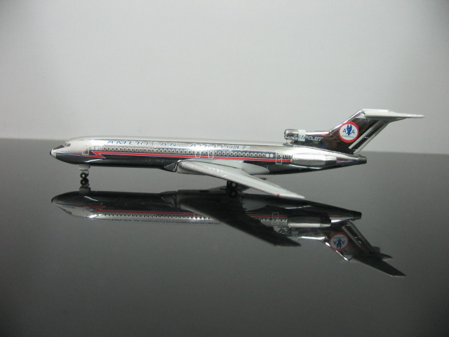 1:500 American Airlines Boeing 727-200 N6809 Aircraft Model Friends Gift Airplane Model(China (Mainland))