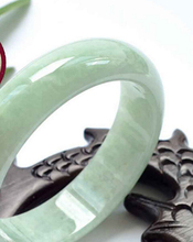 002014 Certified VINTAGE TRANSLUCENT WHITE GREEN JADE Jadeite BANGLE Bracelet 100% AAAA(China (Mainland))