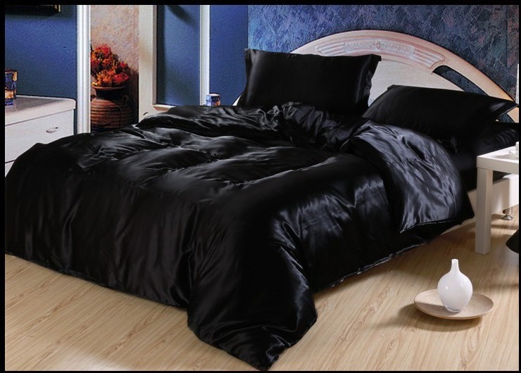 luxury black silk satin bedding sets king size queen full twin duvet cover bedspread bed in a. Black Bedroom Furniture Sets. Home Design Ideas