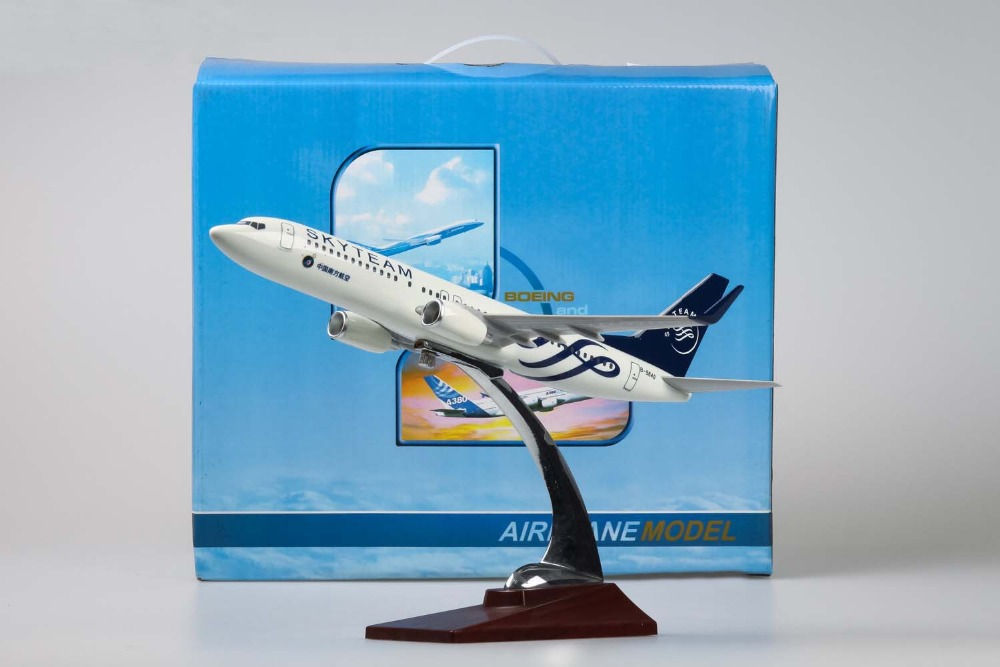 30cm Resin southern Airline Boeing 737-800 model SkyTeam Painting Simulation airplane model(China (Mainland))