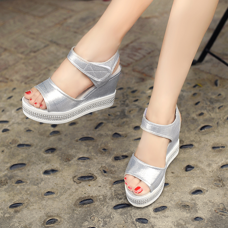 New Arrival Free Shipping High Quality PU Women's Casual Soft Shining Surface Flatform Sandals(China (Mainland))