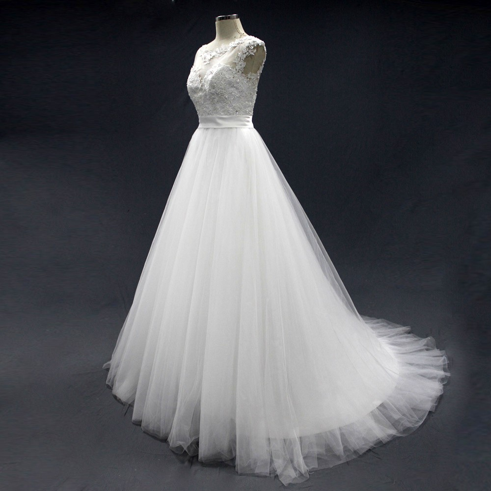 Good quality wedding dresses : Good quality appliqued lace tulle girl princess wedding