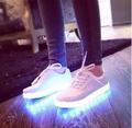 شحن مجاني جديد ماركة للجنسين الرجال النساء أزياء 7 ألوان led المضاء أحذية الدانتيل يصل عارضة العشاق المد والاحذية مضيئة