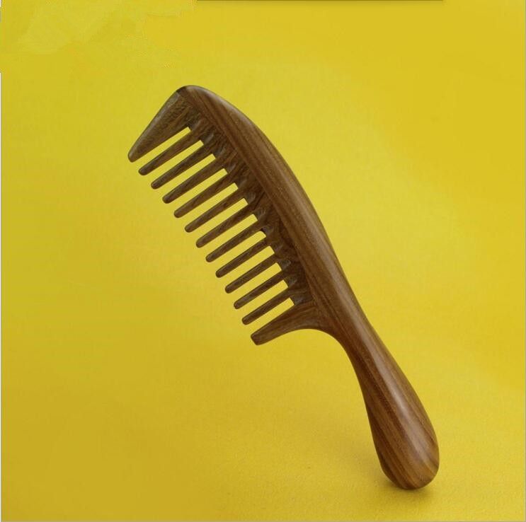 1 pcs Natural Green Sandalwood Boutique Wide-Toothed Comb hairdressing professional health care Green sandalwood wooden Combs