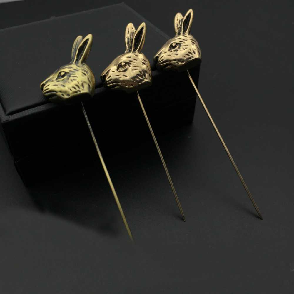Vintage Style Men's Long Brooches Jewelry Cartoon Rabbit Head Alloy Brooch for Men's Suit Animal Lapel Pin Brooch Boutonniere(China (Mainland))